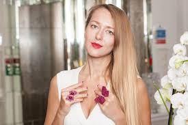 Liza Urla - Gemologue